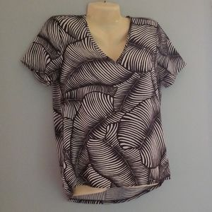 Ann Taylor Petite Small Black and White Leaf Tee